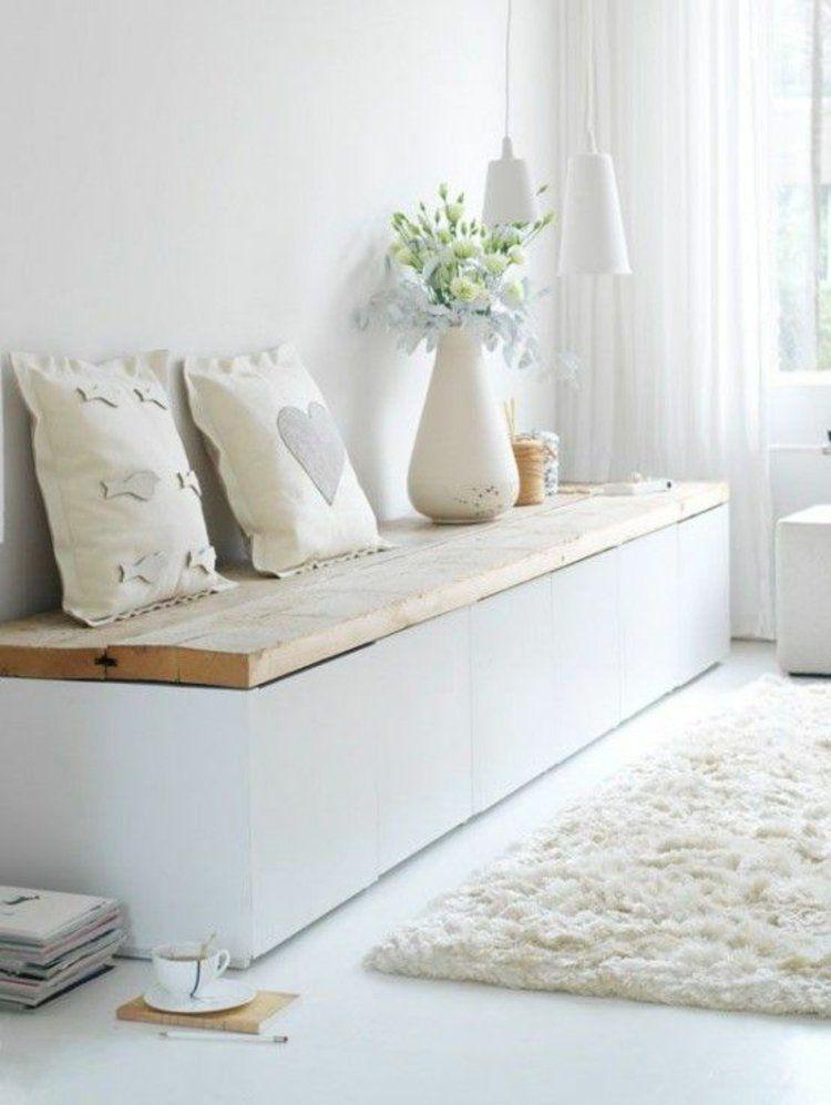 Wohnung einrichten Holzbank mit Aufbewahrungsmöglichkeit
