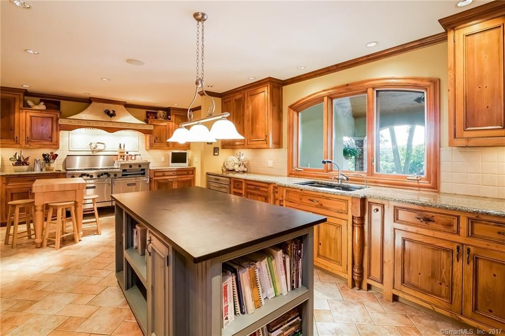 1198 Flanders Rd, SOUTHINGTON, CT 06489 - Zillow | Home ...