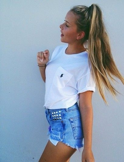 Nothing goes better with a perfect summer day than high waisted shorts and your hair effortlessly thrown into a high ponytail. Try this pony...
