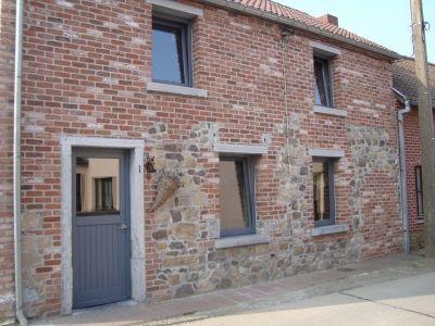 briques et moellons fa ade avant vous avez habill votre maison de vieilles pierres porte. Black Bedroom Furniture Sets. Home Design Ideas