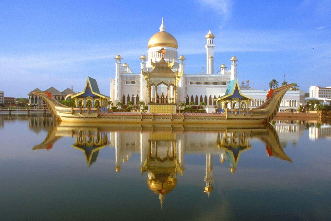 Sultan Omar Ali Saifuddin Mosque Bandar Seri Begawan Brunei Brunei Reisen Schone Moscheen