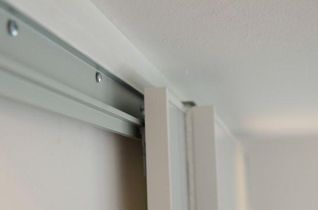 Pax Armoire Doors Get New Life as Barn Doors Ikea hackers, Barn - armoire ikea porte coulissante