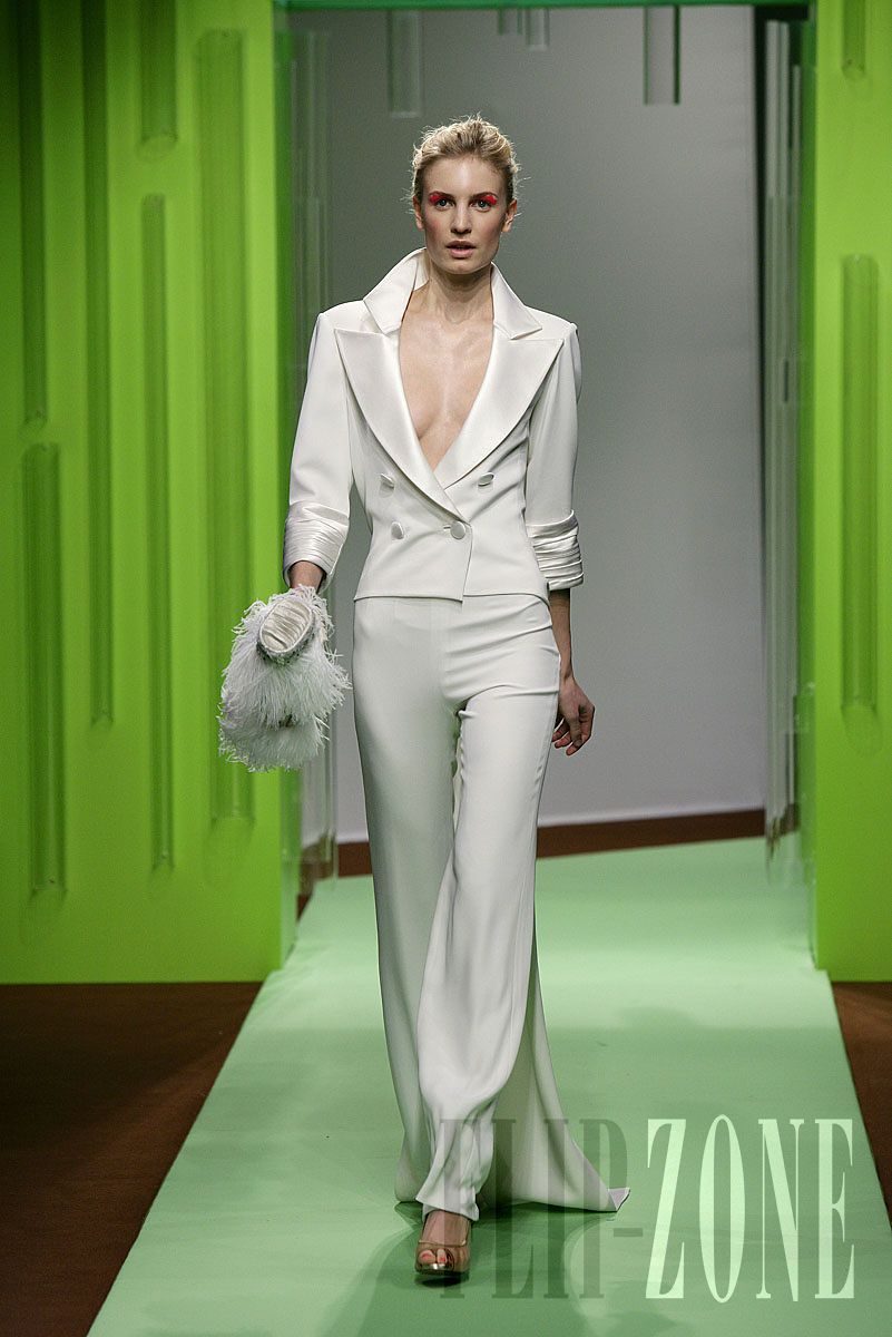 Georges Chakra - Couture - Spring-summer 2008 - http://en.flip-zone.com/fashion/couture-1/fashion-houses/georges-chakra,470