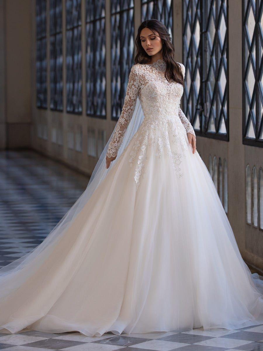 Landis Pronovias Wedding Dress Wedding Dresses Wedding Dress Guide [ 1200 x 900 Pixel ]