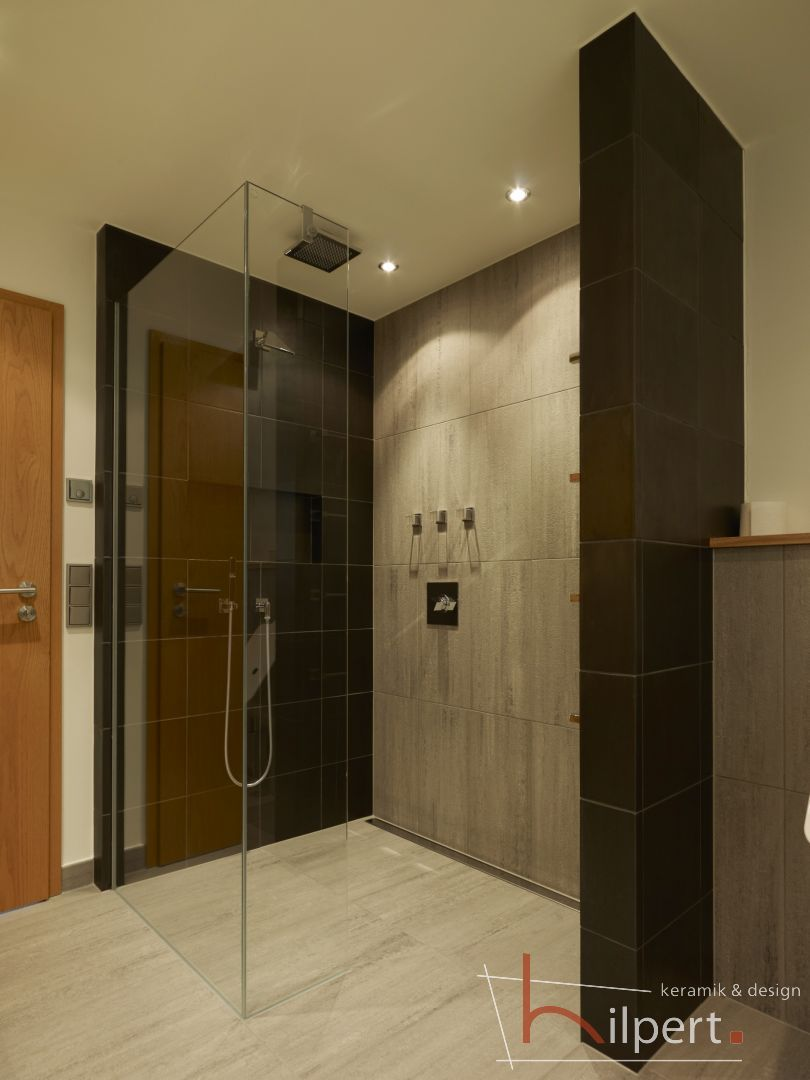 Komfort Dusche im privaten Wohnbadezimmer, Hilpert Keramik