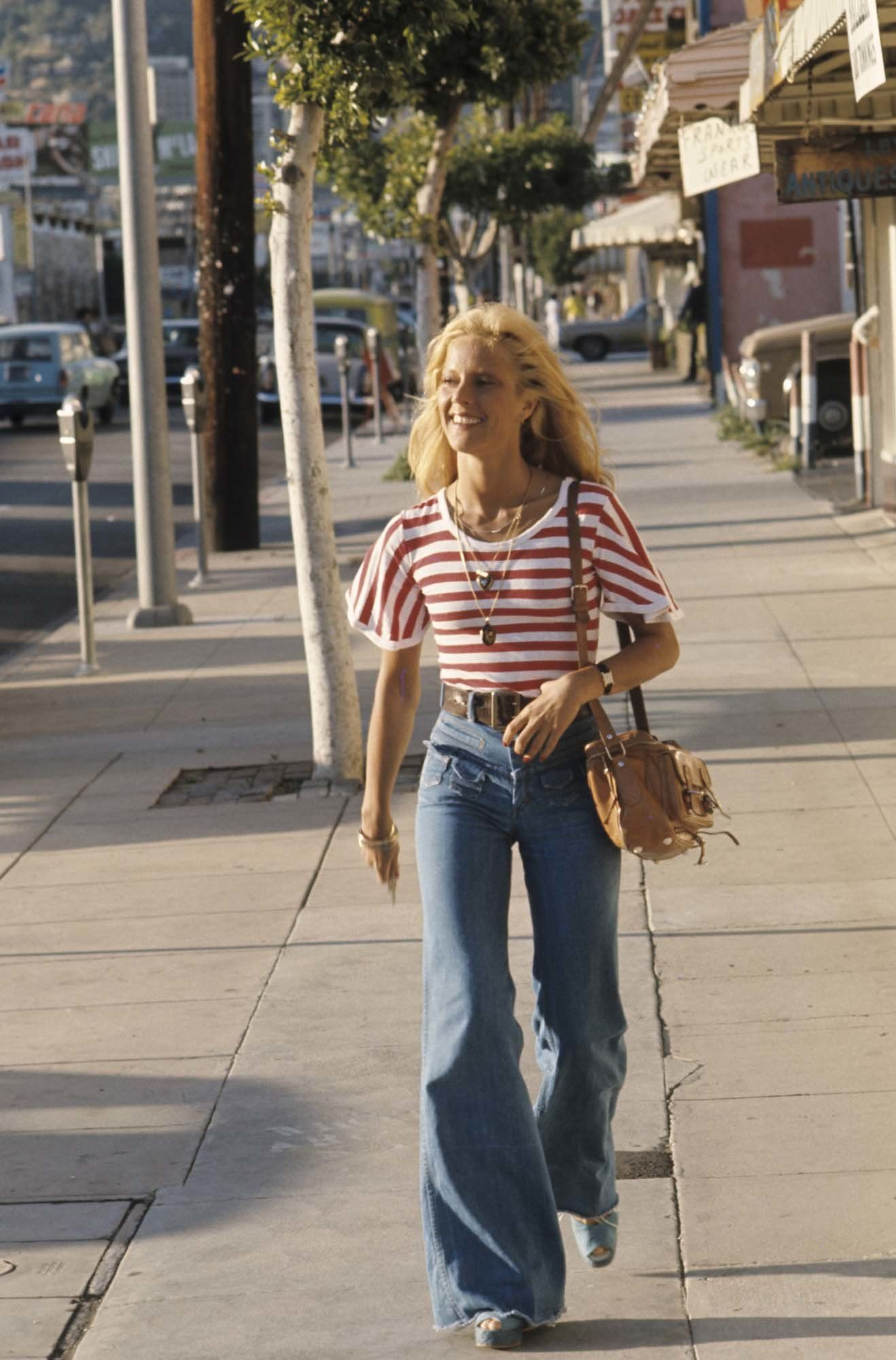 Photo of Why '60s Singer Sylvie Vartan Is Our New French Girl Denim Inspiration