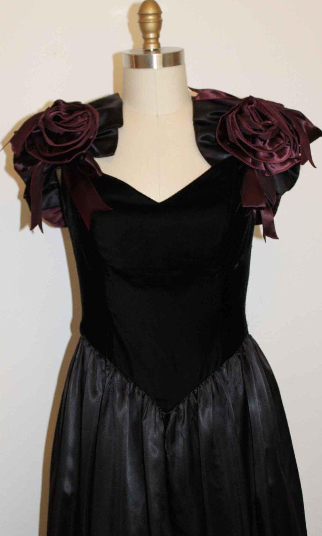 S goth prom dress black velvet deep red roses bust size