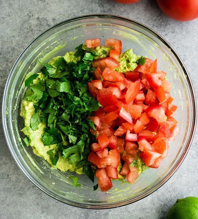 Easy Guacamole Recipe (5 Minutes + Video) - JoyFoodSunshine