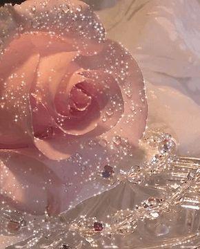 photo pinkcrystals-1-1-375x466_zpstaolbqoo.gif