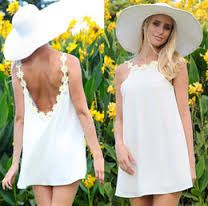 """Résultat de recherche d'images pour """"woman white dress party"""""""