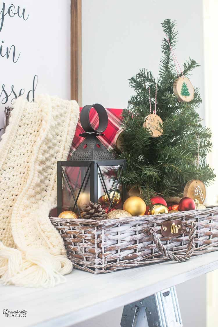 Christmas and Holiday Farmhouse Thrift Store Makeovers #thriftstoreupcycle