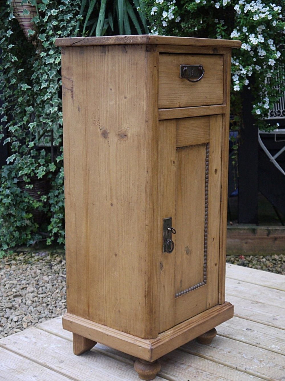 Large Old Antique Stripped/waxed Pine Bedside Cabinet/ Cupboard/ Lamp Table  With Key! - LARGE OLD ANTIQUE STRIPPED/WAXED PINE BEDSIDE CABINET/ CUPBOARD