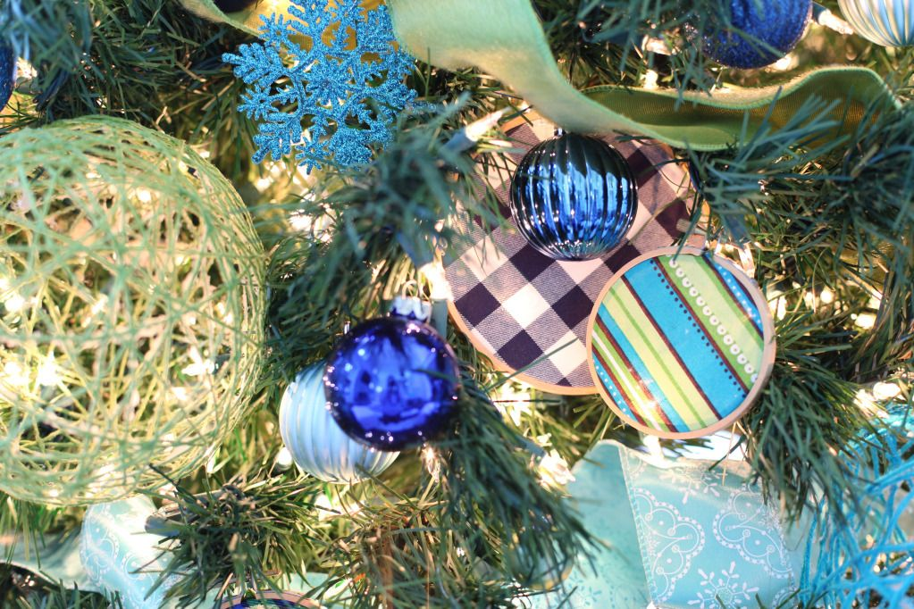 Blue Christmas Ornament, Yarns and Yarn ball