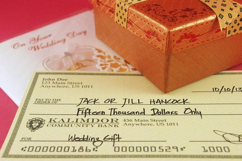 Etiquette Of Giving Cash As Wedding Gifts Wedding Traditions Explained Wedding Gifts For Guests Wedding Gifts