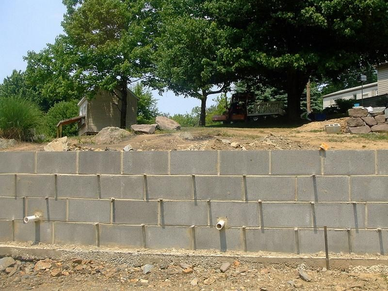 Building A Cinder Block Retaining Wall Google Search