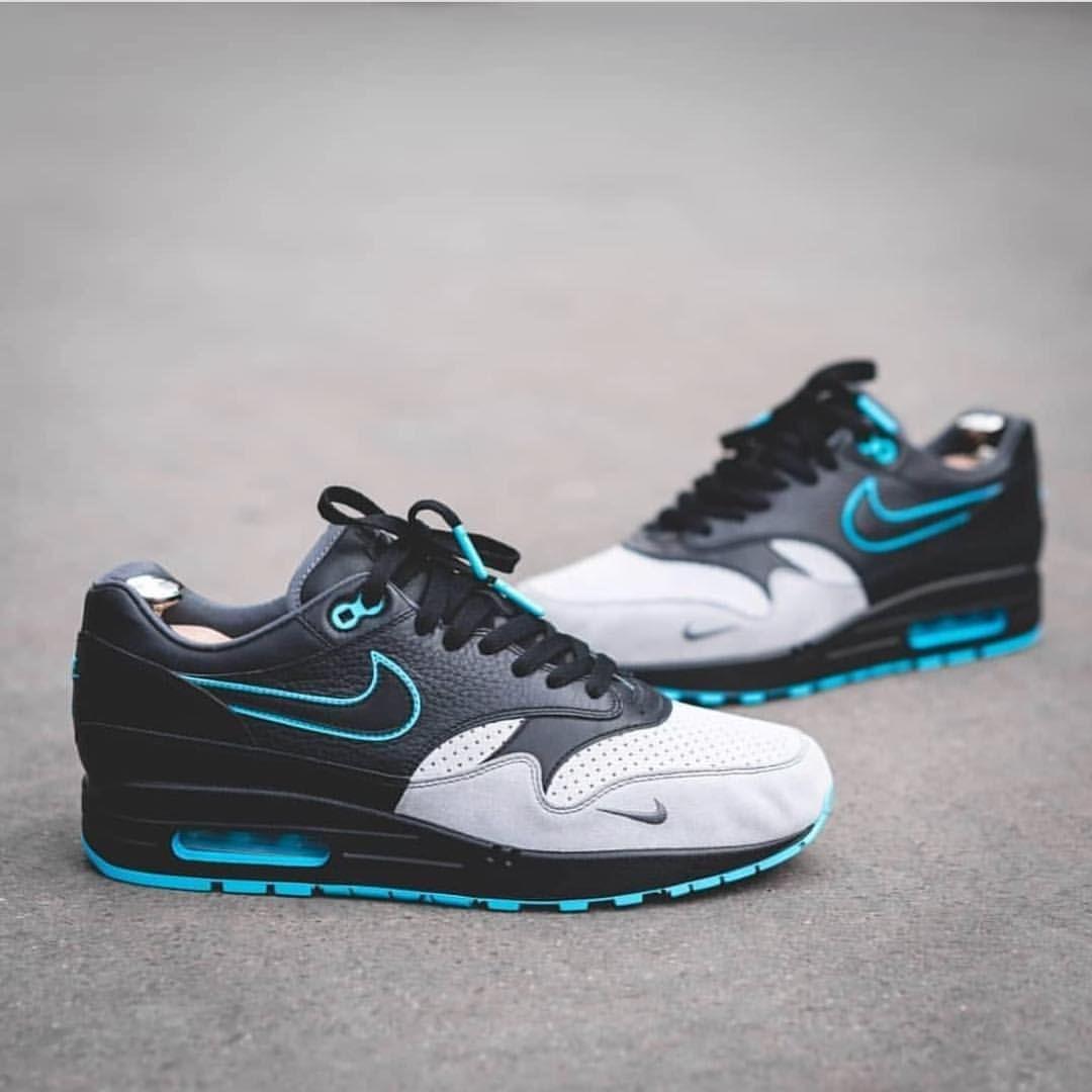Nike Air Max 1 Bespoke </p>                     </div>   <!--bof Product URL --> <!--eof Product URL --> <!--bof Quantity Discounts table --> <!--eof Quantity Discounts table --> </div>                        </dd> <dt class=