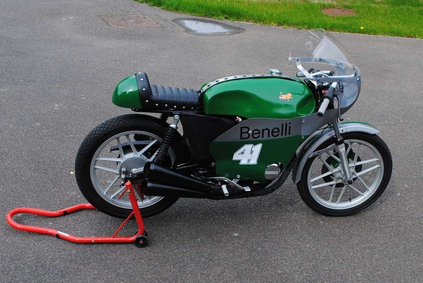 BENELLI 250/4 FOUR CYLINDER CLASSIC RACER PARADE CRMC
