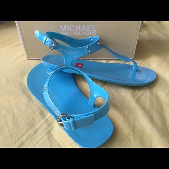 final price mk jelly sandals nwt jelly sandals michael kors