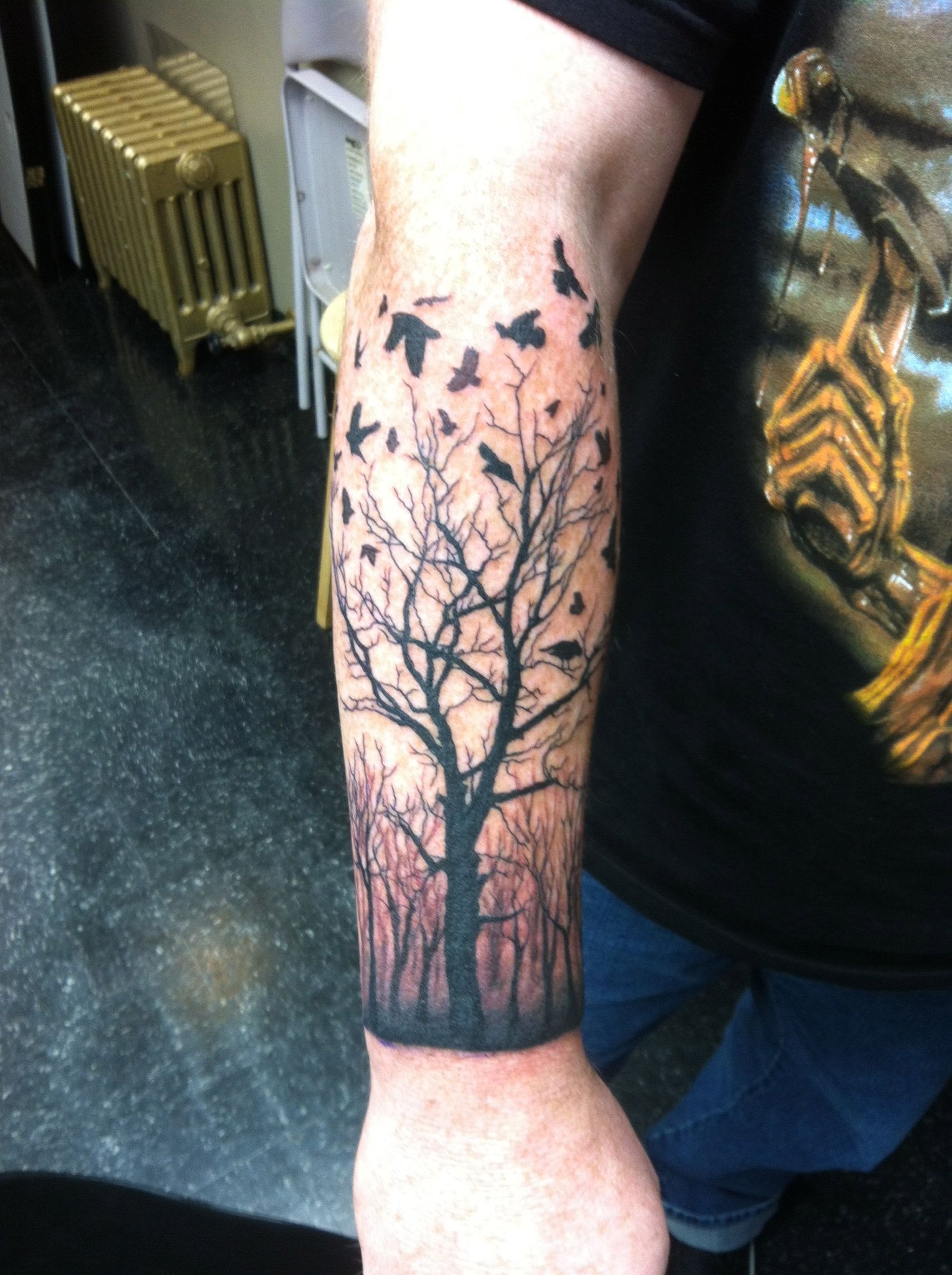 Pin dead tree silhouette tattoo on pinterest tattoo for Death tree tattoo