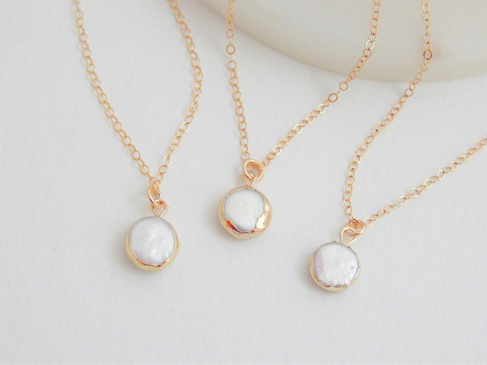 White Crystal Necklace Boho Wedding Gift for Bridal Party Wedding Neckalce Bridesmaid Necklace Rainbow Moonstone Bar Necklace