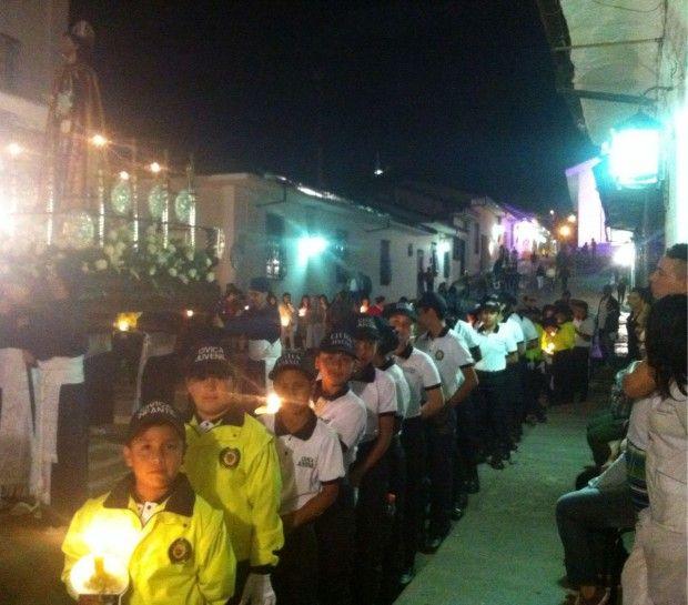 Los integrantes de la Policía Cívica Juvenil y de Mayores acompañaron los recorridos en las diferentes procesiones.