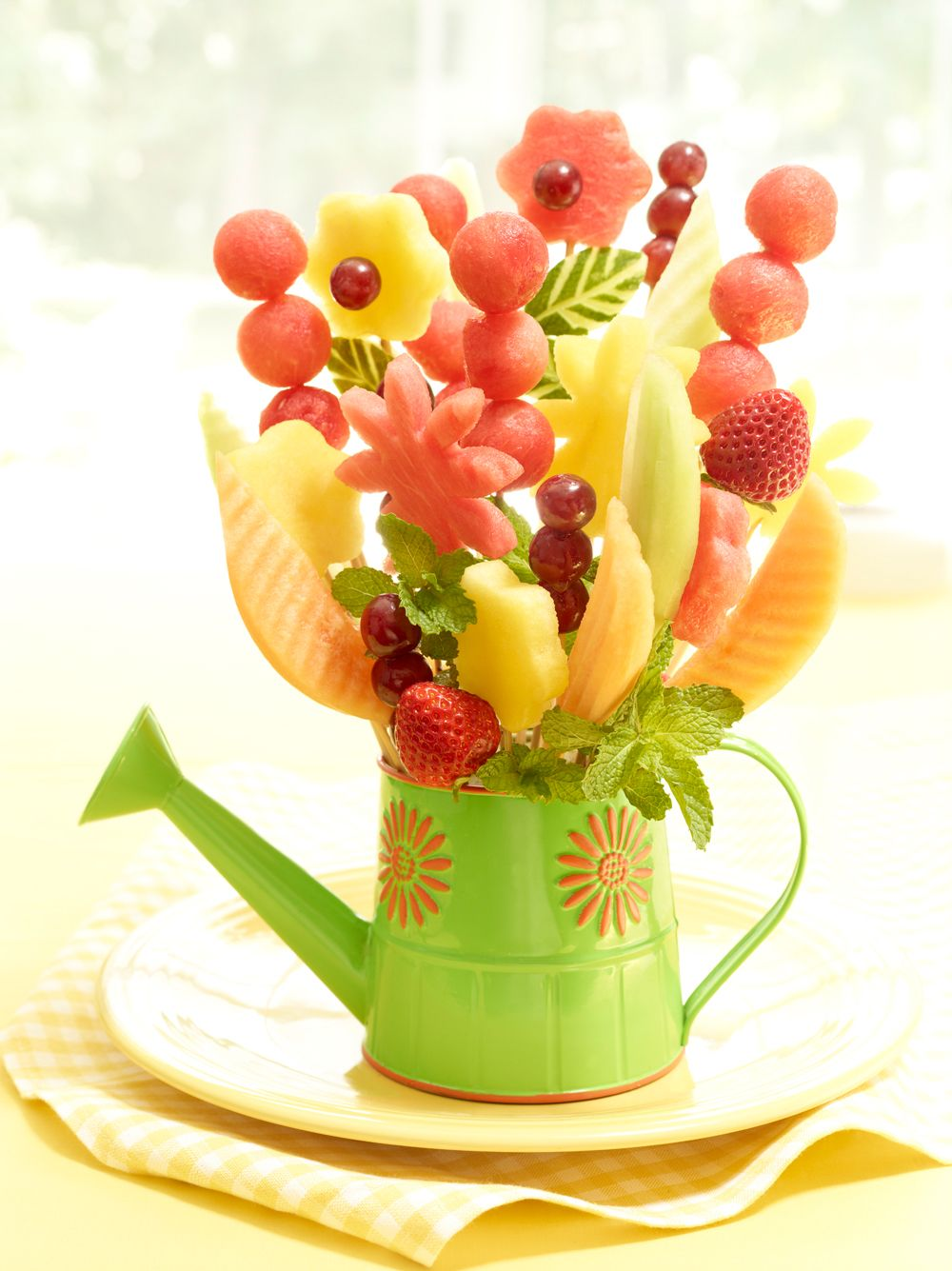 Welcome spring with a watermelon flower vase carving