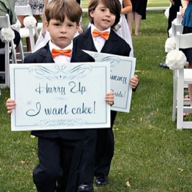 Wedding Sign For Kids In Ceremony. Hurry Up I Want