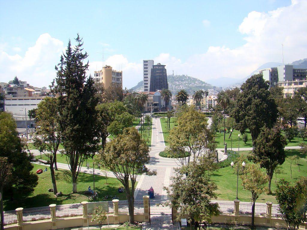 Plaza Alameda Desde La Torre Del Telescopio En El Observatorio Astronomico De Quito Ecuador San Francisco Skyline Skyline San