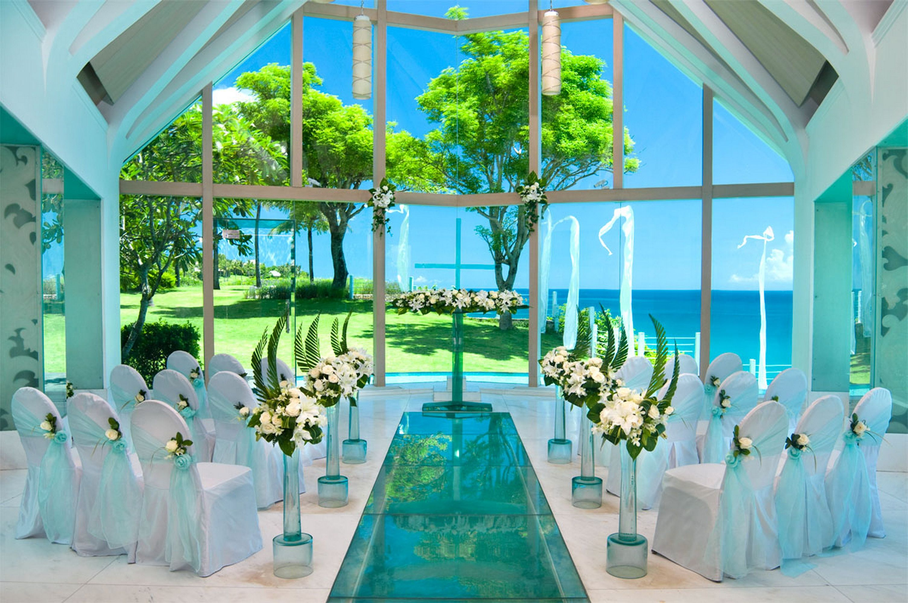 Beautiful wedding venues in bali ayana chapel for Unique places to have a wedding