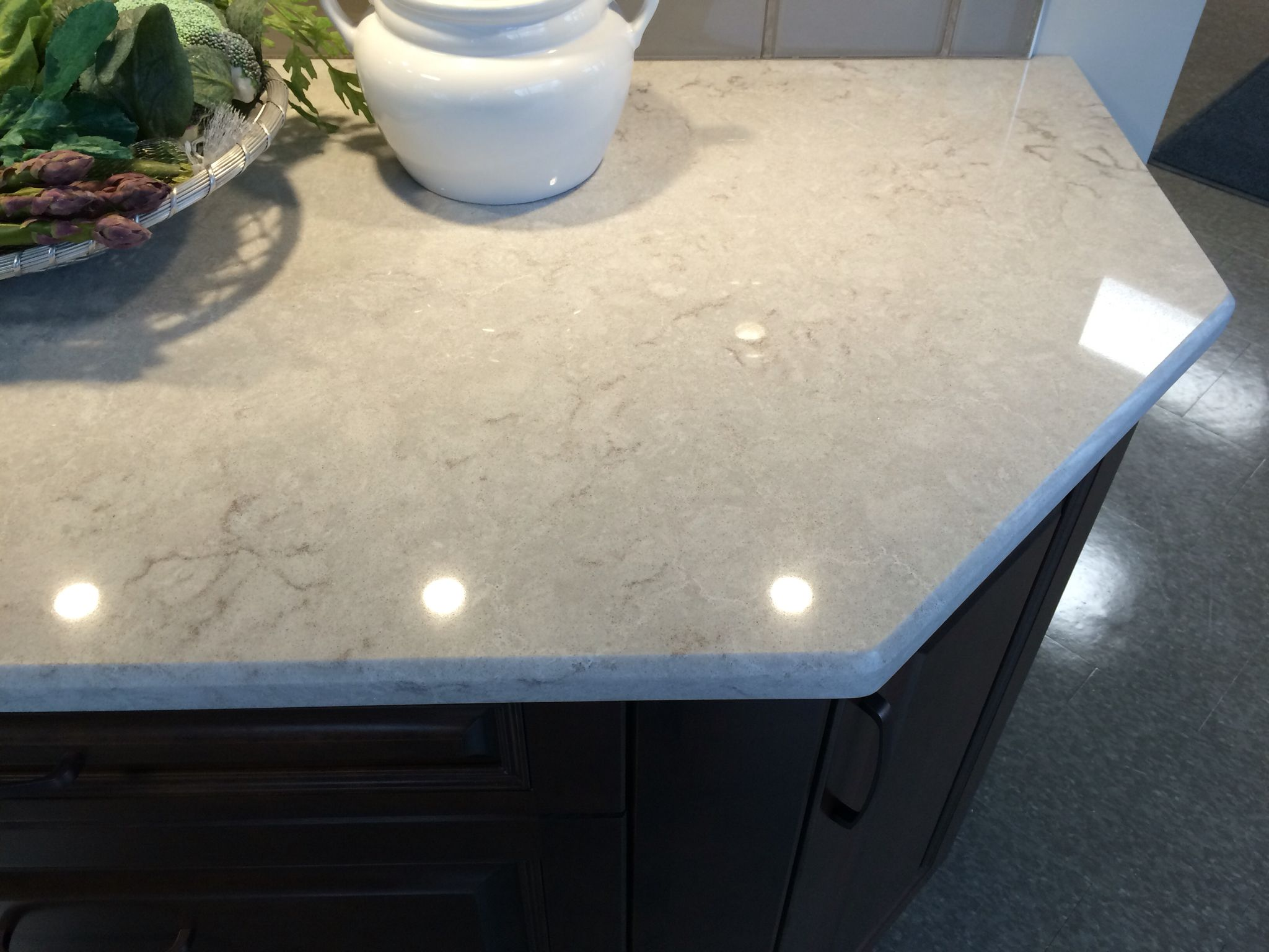 Kitchen Counter Caesarstone Bianco Drift Quartz Kitchen Countertops Kitchen And Kitchenette Caesarstone Kitchen