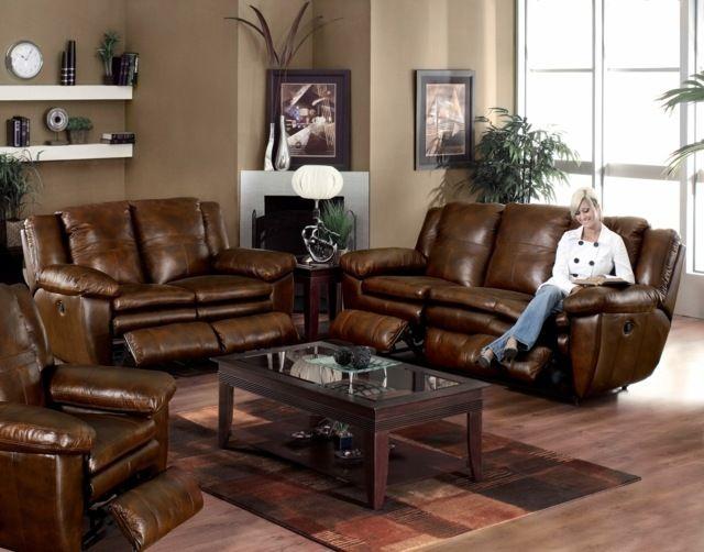 un canap et deux fauteuils en cuir marron dans le salon lgant - Peinture Salon Beige Et Marron