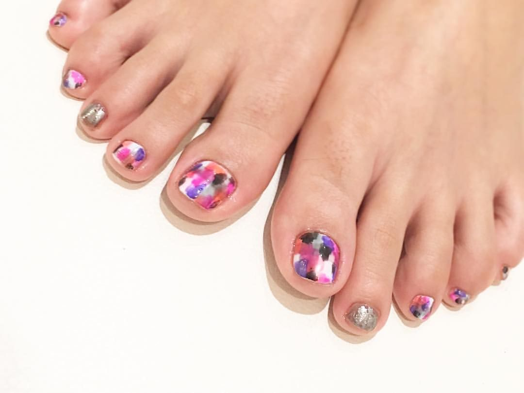 56 Likes, 2 Comments , LAURA POMPONNEE 表参道 (@laura_pom) on Instagram  \u201cサンダルに映えるカラフルネイル♡ nail nailart gelnail fashion ネイル ネイル