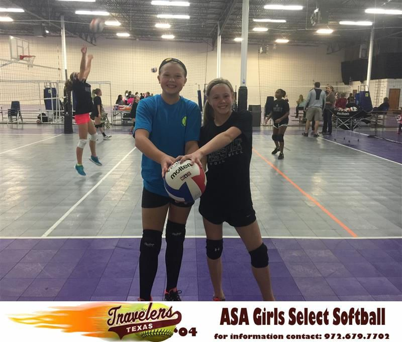 Texas Travelers Softball Stars Elizabeth Schaefer Kaydee Bennett Show They Also Have Other Talents As Well Both Girls Made The Highly Competitive Select Voll With Images Volleyball Team Softball Volleyball