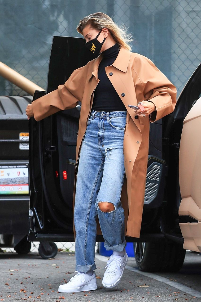 Photo of Hailey Bieber's Latest Look Is a Sign of Fall Outfits to Come
