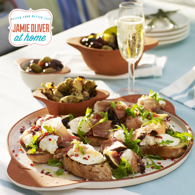Tapas, widely used in Spanish cuisine are a wide variety of appetizers or snacks that in some areas in Spain have become an entire sophisticated culinary art. The Jme Collection has a beautiful set of Small Tapas Bowls that make great treats you can take straight from the oven to the table. A beautiful touch to the table when you have friends over for drinks in the new year!
