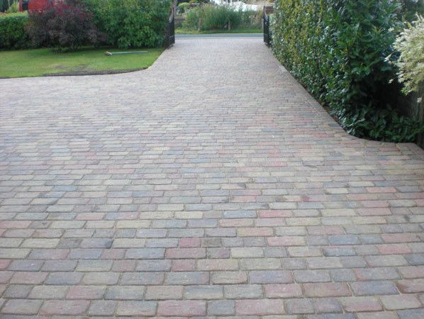 Experts In All Aspects Of Paving, Traditional Block In Many Styles And  Colours, Resin