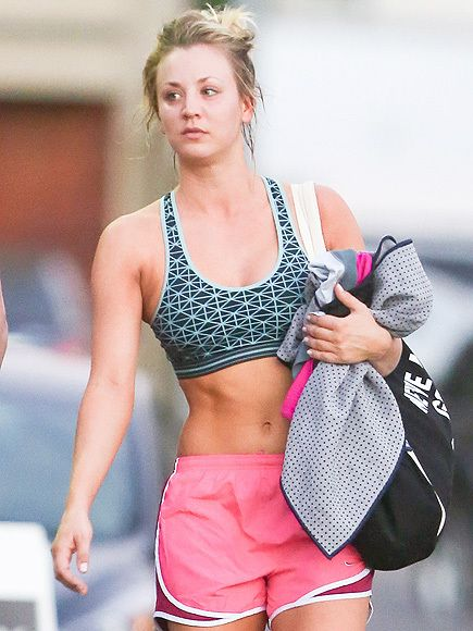 Kaley Cuoco We Tried The Hot Yoga Class That Sculpts The Star S Incredible Abs Kaley Cuoco Body Kayley Cuoco Kaley Cuoco