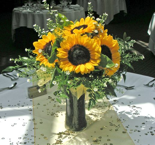 Centerpieces sunflowers event perfect sunflower table