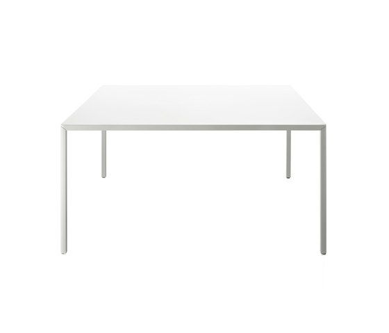 Passe-Partout Table by Magis | Architonic