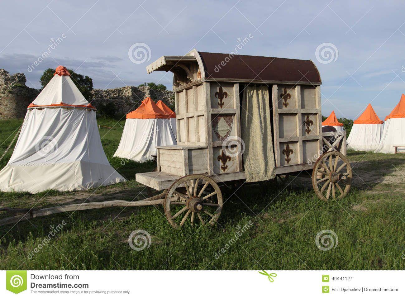 Les Plus Belles Caravanes De Forains chariot médiéval photo stock - image: 40441127 | medieval