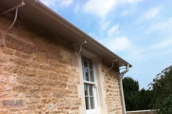 Elegant Rise And Fall Gutter Brackets On A Home Near Cirencester Listed Building Cirencester Building