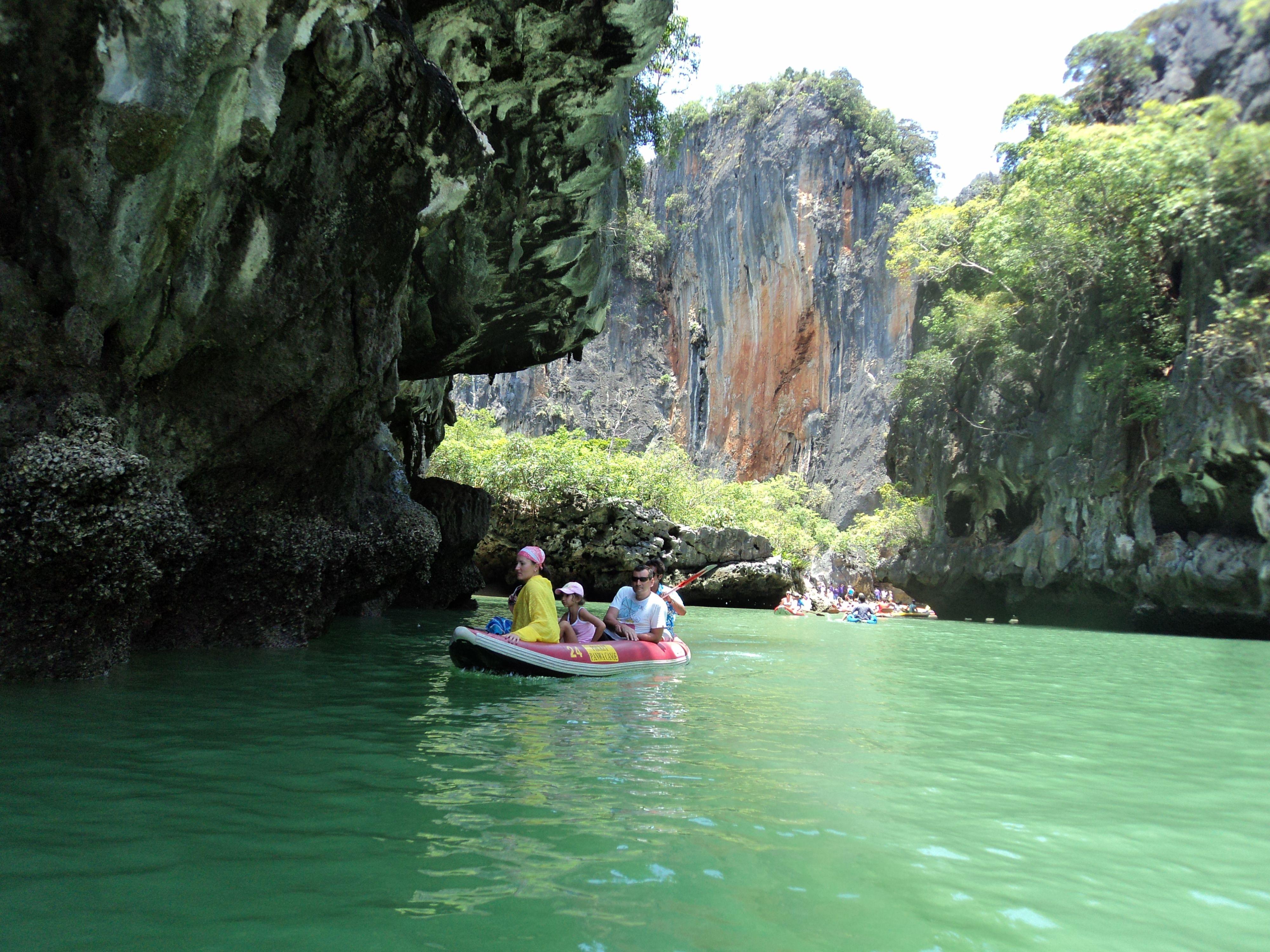 Canoeing in Hong Islands