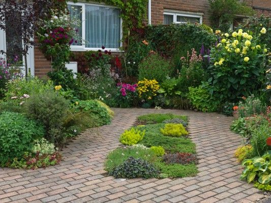Wpid4745 front garden design gbuw006 nicola for Formal front garden ideas