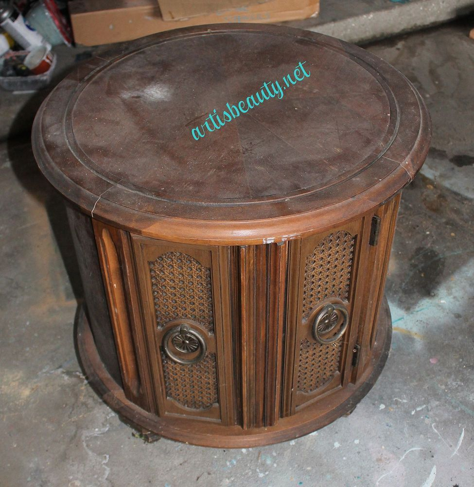 Retro 70s End Table Turned Radiant Orchid With Pantones Color 2014 Round End Tables End Tables Table