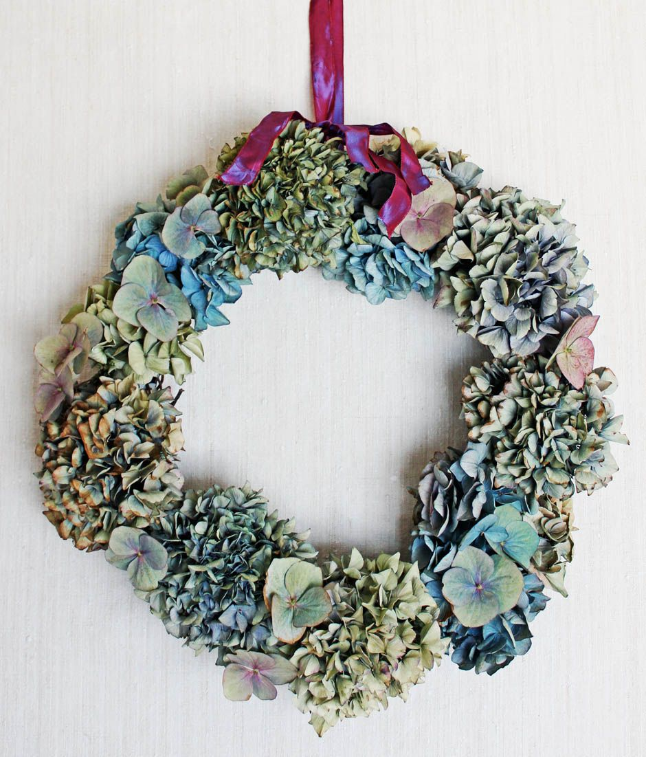 Dried Hydrangea wreath tutorial by Tamsyn Morgans | Apartment Apothecary