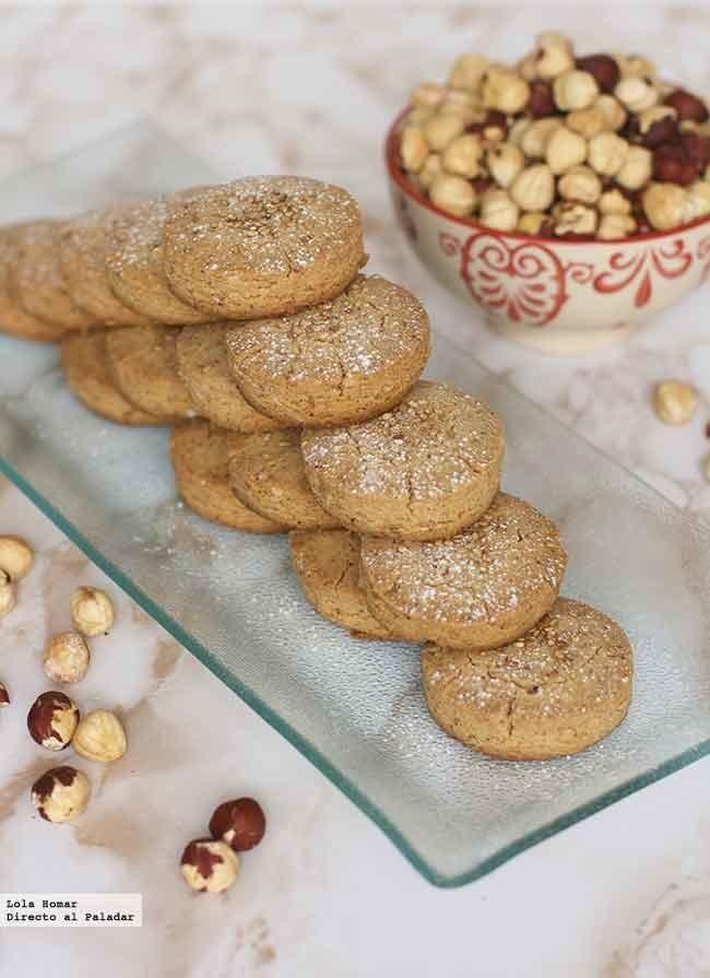 Receta de mantecados de avellana. Receta de dulces de Navidad. Con fotos de presentación y del paso a paso y consejos de elaboración y de degusta...
