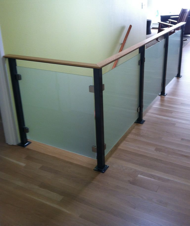 Best Glass Guardrails Offer Strength And Safety While Doing 400 x 300