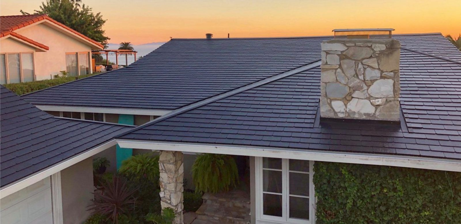 Tesla Solar Roof Volume Production Is Delayed To Next Year Tesla Roof Architectural Shingles Roof Metal Roof Houses