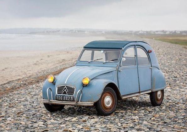Pin By Ricardo On Citroen 2cv Lelijke Eend Deuche Road Trip Car Antique Cars Renault 4