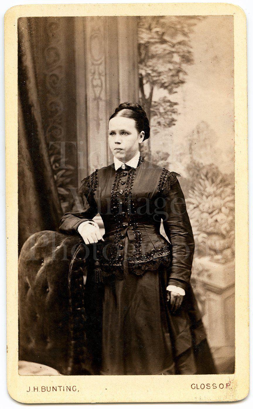CDV Photo Carte De Visite Victorian Young Pretty Woman Dark Silk Dress Standing Portrait